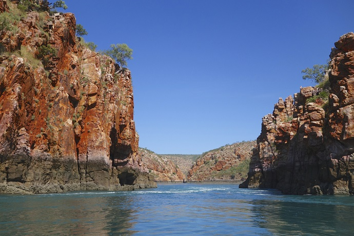 Discover the Incredible Horizontal Falls on a Kimberley Cruise